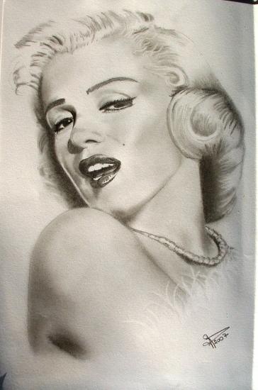 Marilyn Monroe by geraldine44